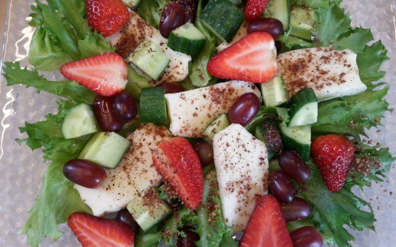 Valo24h-paahdettu-rouhittu-pellava-pellavarouhe-Halloum-juusto-salaatti